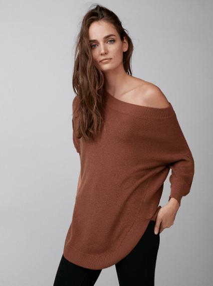 volume sleeve circle hem sweater