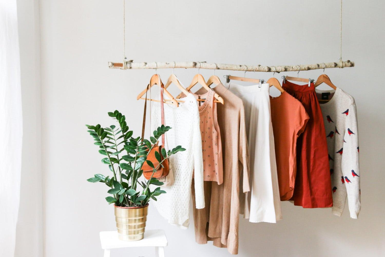hanging-branch-clothing-rack