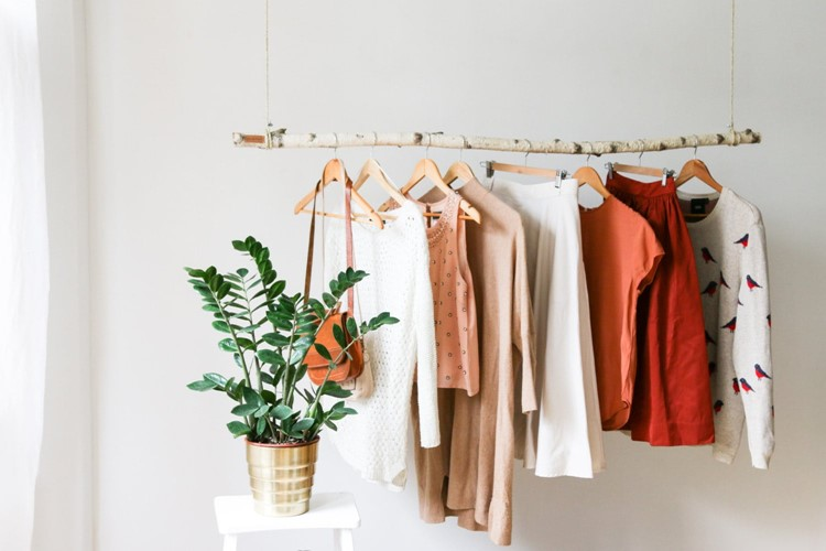 hanging-branch-clothing-rack