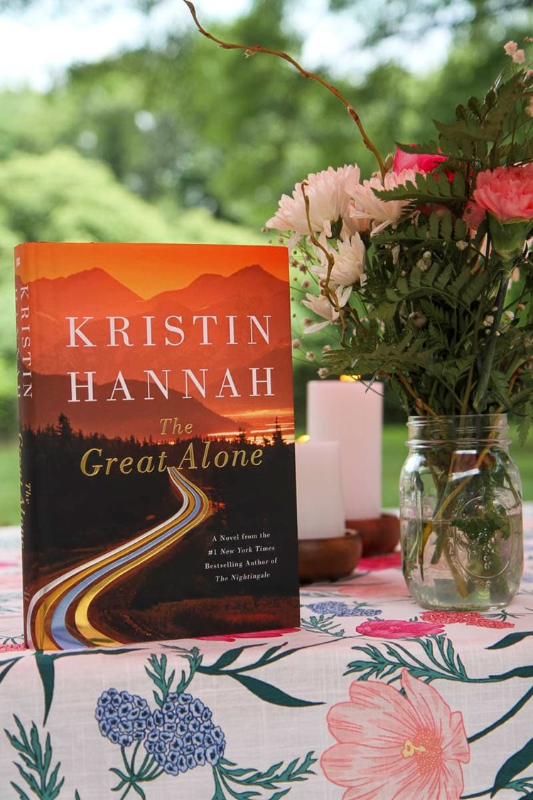 7 Tips for Hosting a Success Book Club from MomAdvice.com