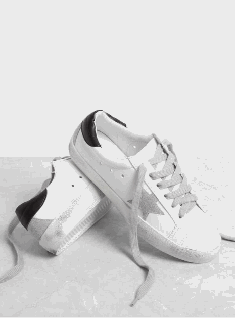 star patch lace-up sneakers